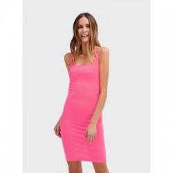 Vestido rosa ajustado
